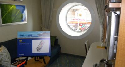 Каюта Boardwalk View Stateroom на лайнере Oasis of the Seas
